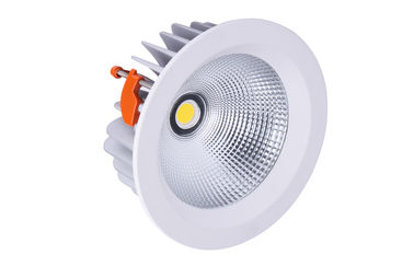Dimmable LED s'allume vers le bas